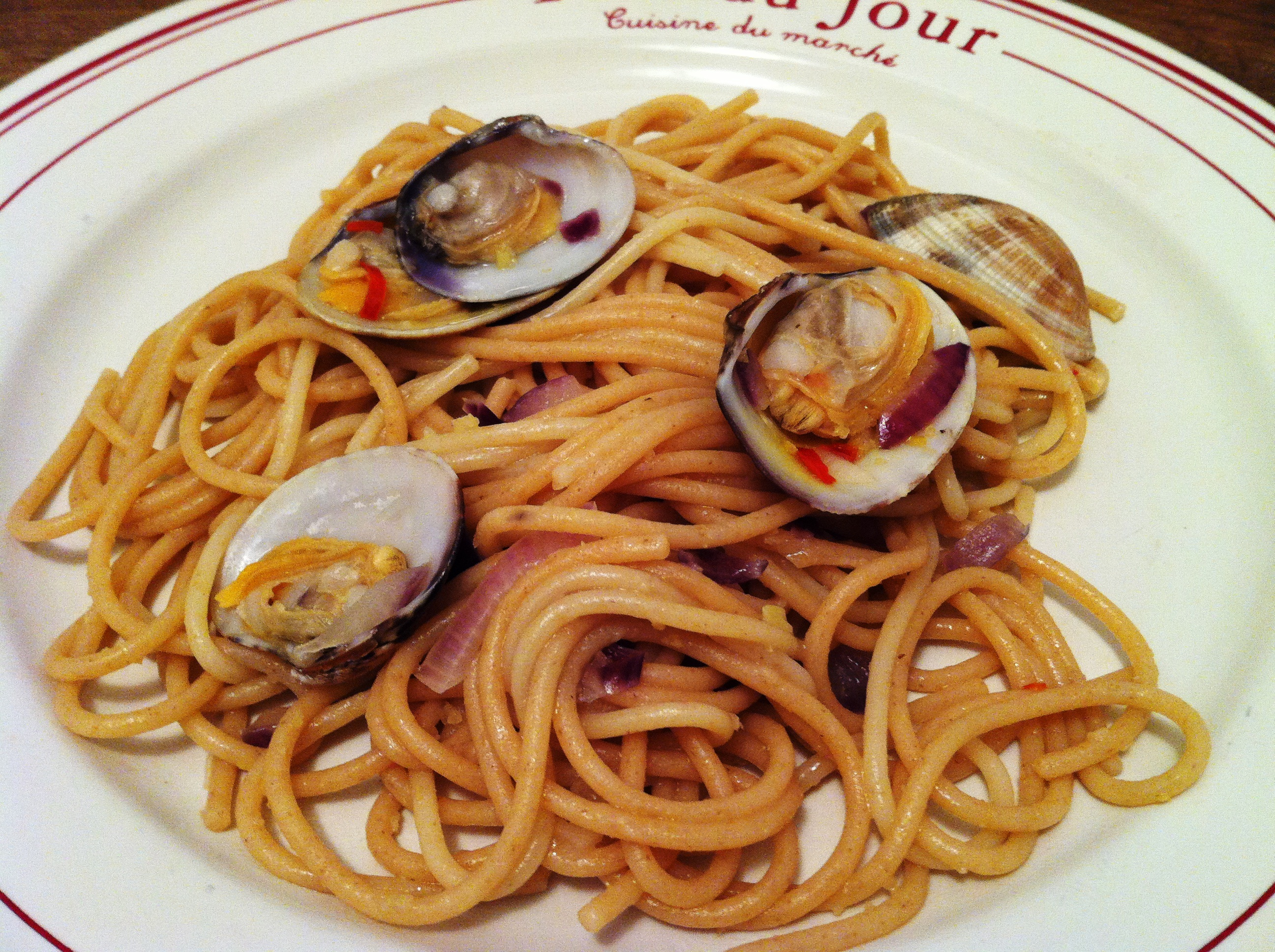 Spaghettis aux palourdes spaghetti alle vongole recipe for Cuisiner des palourdes