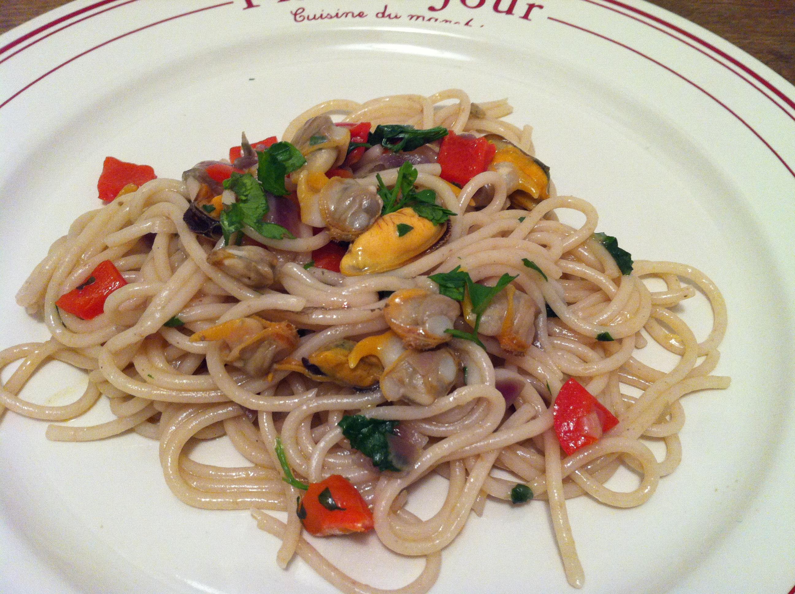 Spaghettis Aux Moules Coques Et Poivron Facon Pastasotto